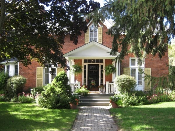 experience cobourg, experiences, heritage walking tours, cobourg, 363 george street, photo